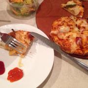 Pizza hut, khá ngon, sạch sẽ, view đẹp, phục vụ hơi chậm