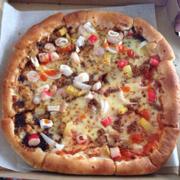 Pizza hải sản & cá ngừ , quán khá đông , phụ nhanh và dt* 😘