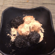 Bánh Dango đậu nành và mè đen