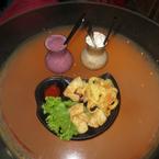 Món mực chiên giòn và cánh gà chiên nước mắm