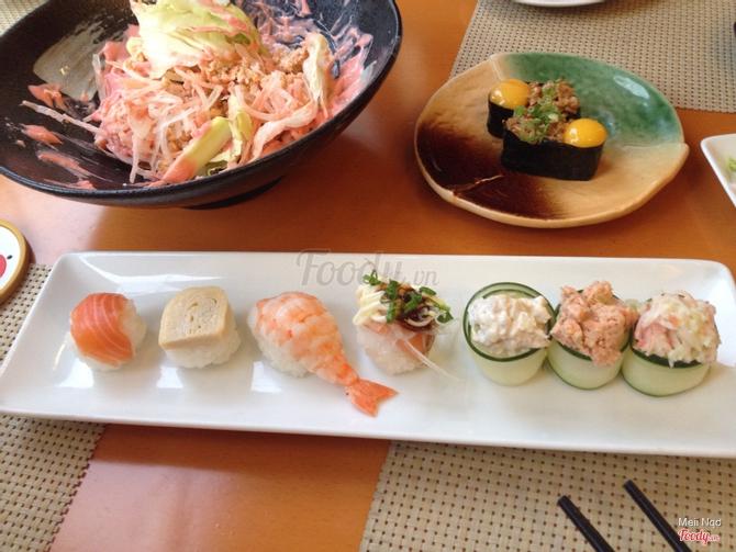 Temari combination 2, salad cá hồi, trứq cút cá hồi