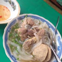 Bánh Canh Bò Viên - Nguyễn Văn Nguyễn