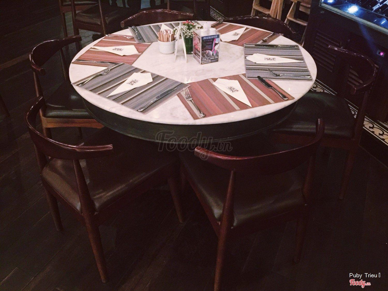 Nhà hàng không gian đẹp Jaspas