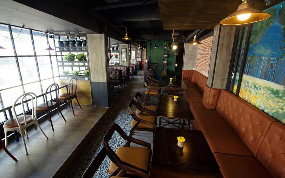 Eleven Restaurant & Cafe