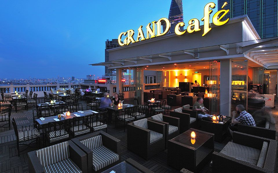 Rooftop Grand Lounge