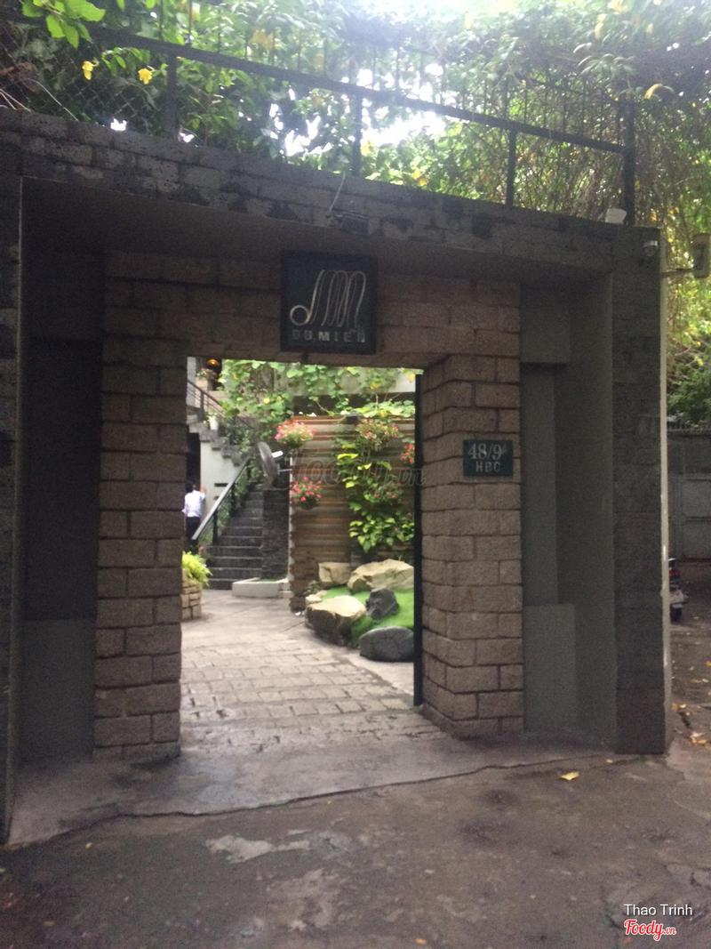 Cổng quán