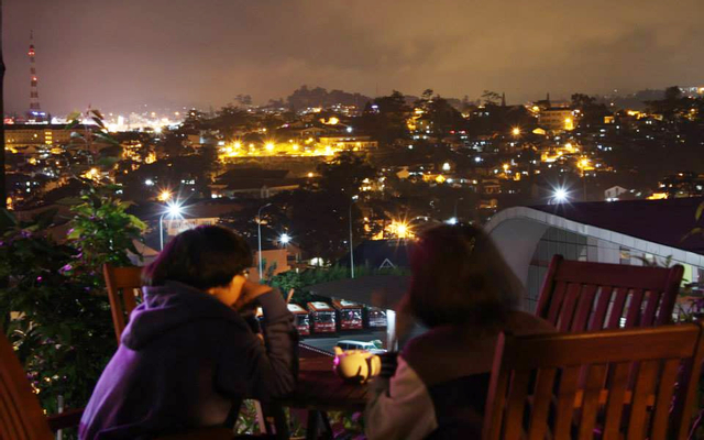 DaLat Nights Cafe - Đống Đa ở Lâm Đồng