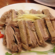 Thịt vịt luộc đĩa lớn