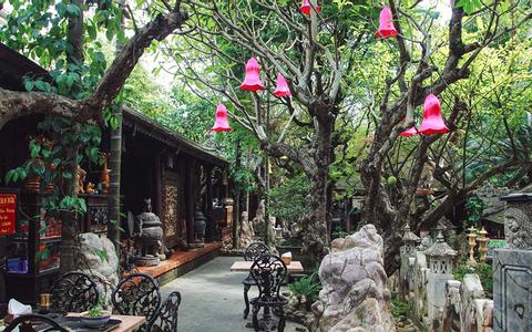 cf - quán ăn có sân vườn