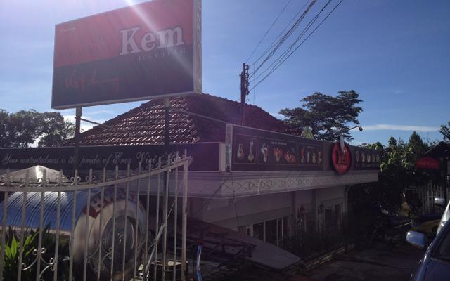 Việt Hương - Cafe Kem & Nhà Hàng ở Lâm Đồng