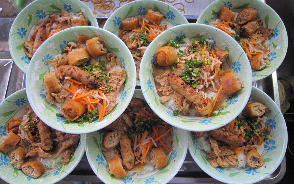 Bún Thịt Nướng Hoàng Văn - Chấn Hưng