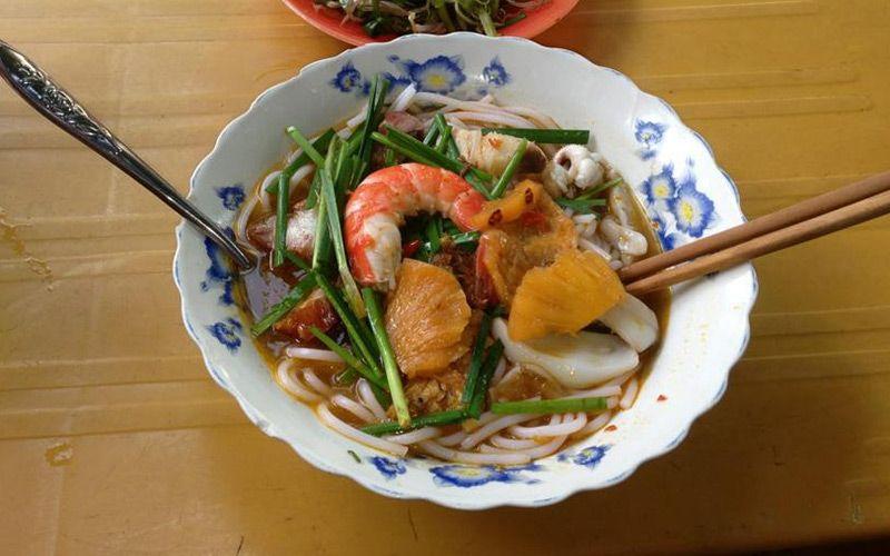 The Lunch Lady - Ẩm Thực Vùng Miền ở TP. HCM