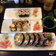 Sushi cuộn lớn 150k, sushi chiên 53k