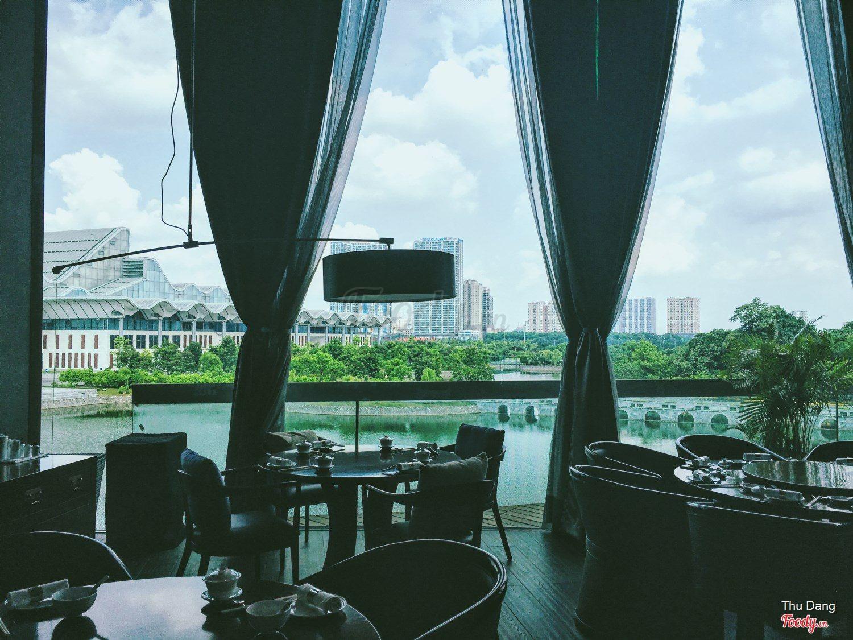 Nhà hàng không gian đẹp Crystal Jade