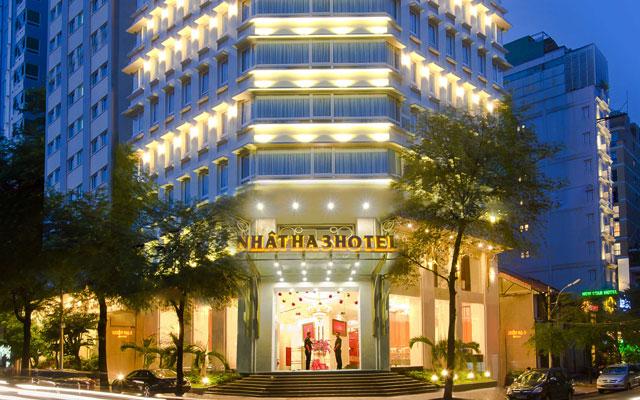 Nhật Hạ 3 Hotel - Cao Bá Quát ở TP. HCM
