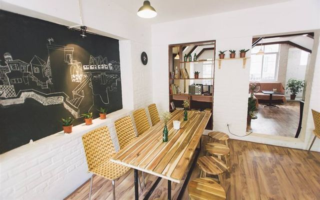 Tầng trệt Cosmo Cafe · Breakfast & Brunch Restaurant ở Hà Nội