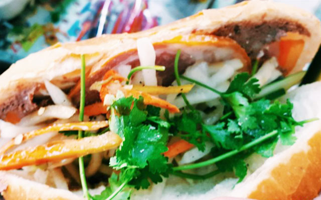 A Vĩ Bakery - Bánh Mì Thịt & Heo Quay - Lương Hữu Khánh