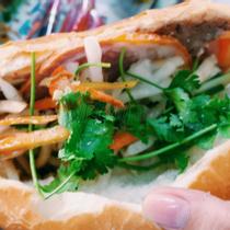 A Vĩ Bakery - Bánh Mì Thịt & Heo Quay - Bùi Thị Xuân