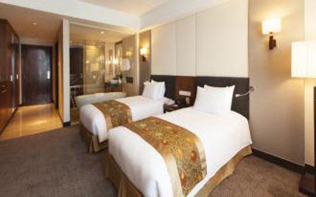 Crowne Plaza West Hanoi Hotel ở Hà Nội