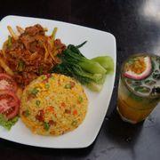 Cơm Bò Lúc Lắc và Soda Mojito Chanh Dây ( Diced Beef Fried Rice and  Soda Mojito Passion Fruit.)
