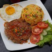 Bò Bơ Gơ Sốt BBQ Cơm Chiên - Beef Burger BBQ Fried Rice