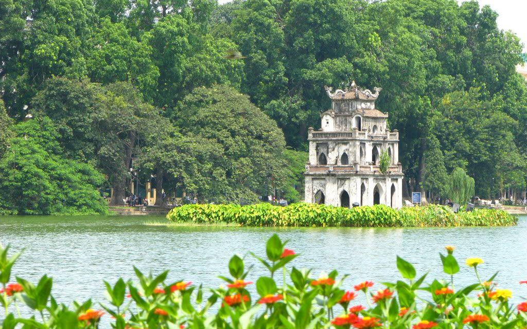 Hồ Gươm ở Quận Hoàn Kiếm, Hà Nội | Foody.vn