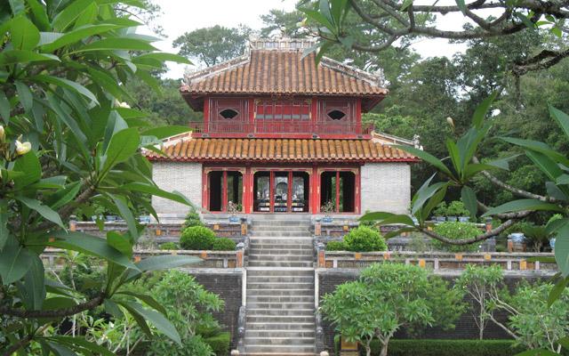 Lăng Minh Mạng - Hương Trà ở Huế
