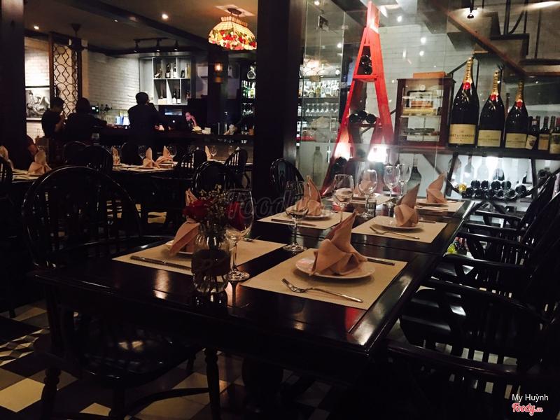 La maison wine club restaurant tp hcm for La maison club