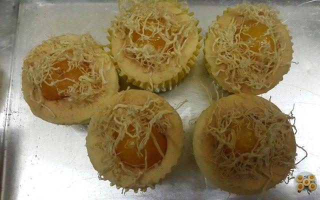 Bánh Bông Lan Trứng Muối Online - Tùng Thiên Vương ở TP. HCM