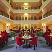 Nhà hàng Romance - Không gian nhà hàng sang trọng thiết kế theo phong cách Châu Âu đặt tại tầng 4 khách sạn