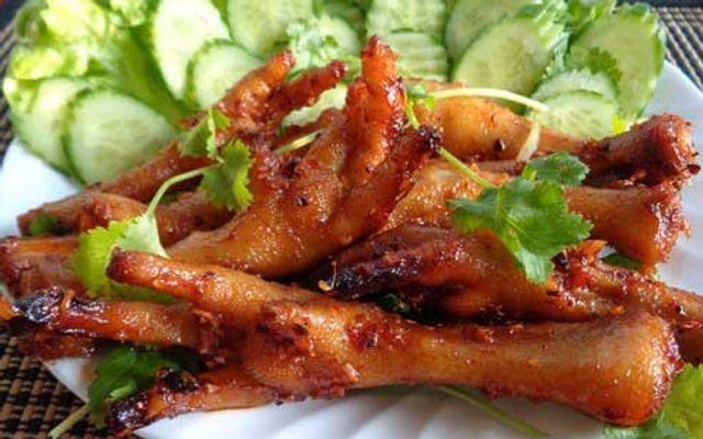 Chibi Bokeh - Chân Gà Quái Thú - Ngõ Trạm ở Hà Nội