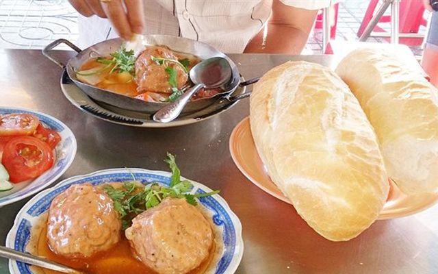 Cô Phương - Bánh Mì Xíu Mại, Bánh Mì Chảo