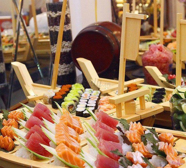 buffet trưa ngon, rẻ ở Hà Nội_The One