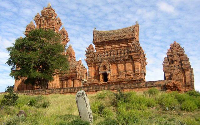 Tháp Chàm Pôklong Garai - Bác Ái ở Ninh Thuận