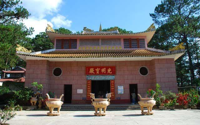 Chùa Tàu - Khe Sanh ở Lâm Đồng