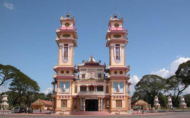 Tòa Thánh Tây Ninh - Lý Thường Kiệt ở Tây Ninh