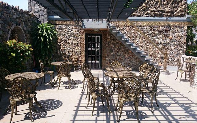 Lâu Đài Đá Cafe - Tô Hiệu