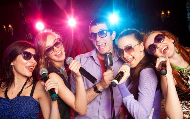 Bar Karaoke Milano - Ô Chợ Dừa ở Hà Nội
