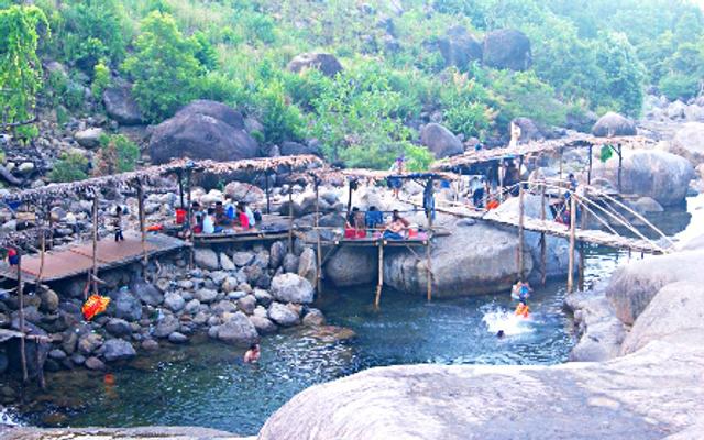 Khu Du Lịch Suối Mơ - Hói Mít ở Huế