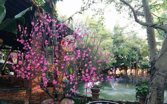 Làng Việt Cafe - Trần Văn Hai ở Kon Tum