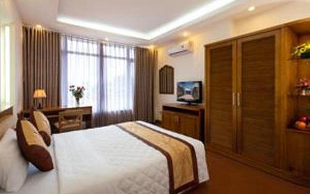Lâm Bảo Long Hotel - 80 Lê Lợi ở Huế