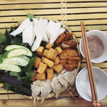 Quán Cô Hòa - Bún Đậu Mắm Tôm Hà Nội