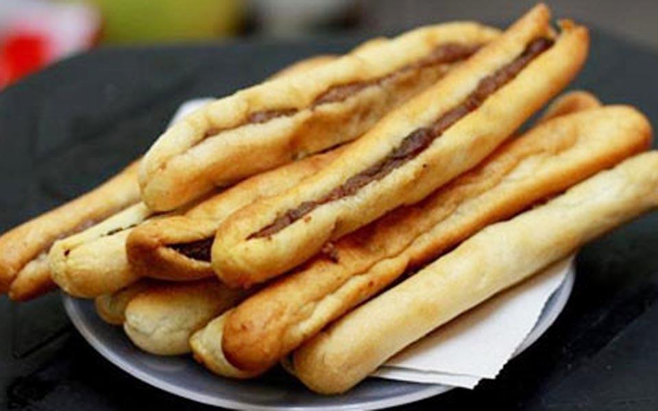 Bánh Mì Que Tứ Hải - Cách Mạng Tháng 8
