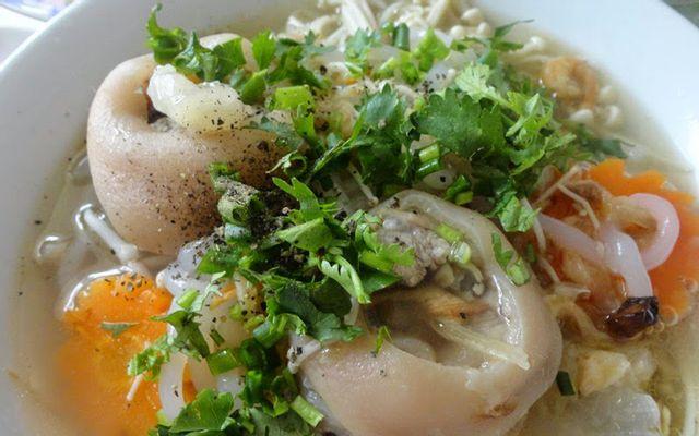 Bánh Canh Đuôi Heo Chân Giò ở Kon Tum