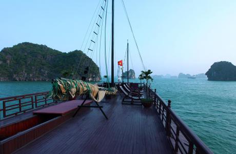 Halong Bay Cruises - Đại Lý Du Thuyền Hạ Long