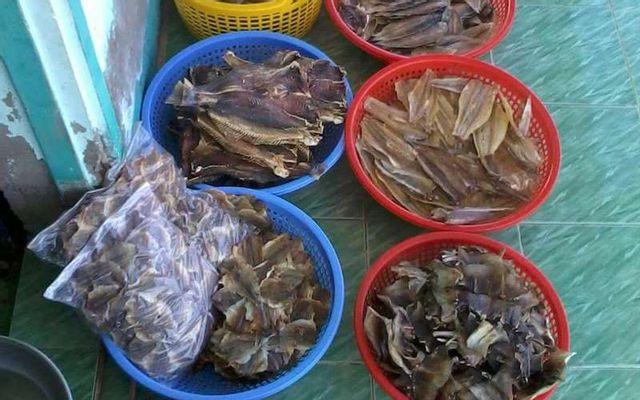 Tiệm Cá Khô Cầm - Thị trấn Cái Đôi Vàm ở Cà Mau