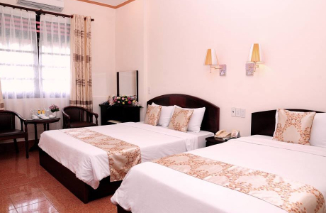 Cửu Long Hotel & Restaurant