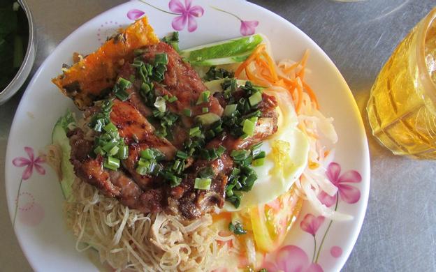 25 Nguyễn Thị Tần, P. 2 Quận 8 TP. HCM