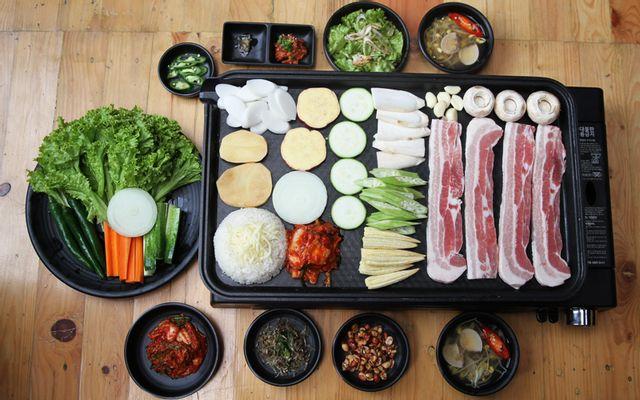 Poki Poki - Korean Restaurant - Hồ Tùng Mậu