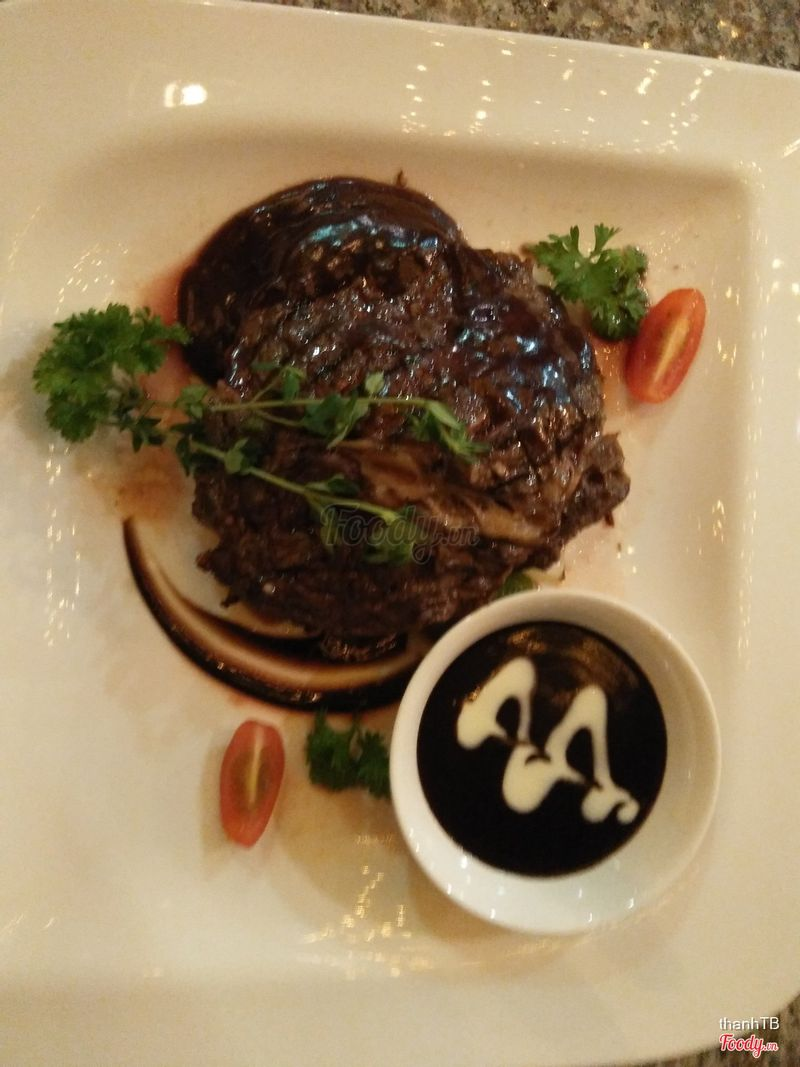 Le jardin restaurant bar la casa hanoi hotel h n i for La jardin restaurant 2016